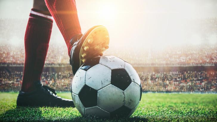 Фото №1 - Минута мячания: краткий гид MAXIM по главным футбольным событиям уикенда