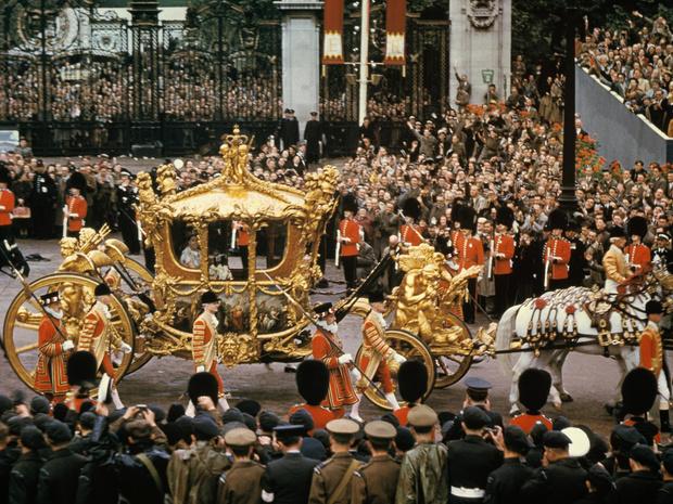 Фото №2 - Новый король— новые правила: почему Чарльз может нарушить коронационные традиции, которым уже 900 лет