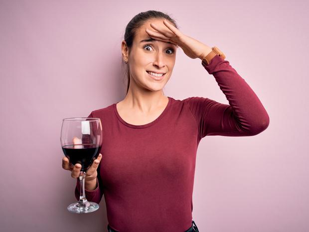 Фото №1 - Что происходит с организмом, когда вы пьете алкоголь