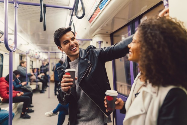 знакомства в метро, знакомства в транспорте, понравился парень в метро