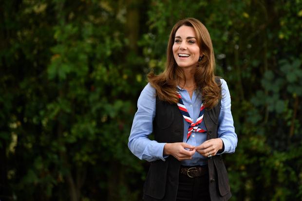 Фото №7 - Неожиданная причина, почему мы так часто видим Кейт в голубых и синих нарядах