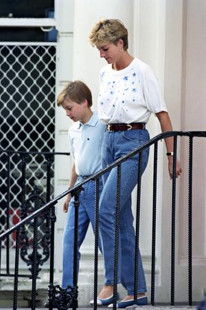 Фото №5 - Запретный плод: как королевские особы носят джинсы