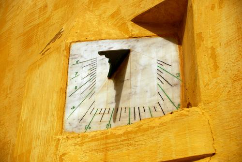 Фото №1 - Как на Занзибаре определяют время?