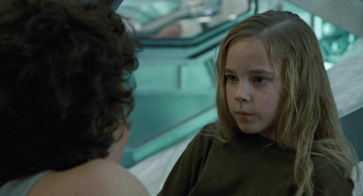 Девочка из фильма «Чужие»: кто она, как изменилась, что делает сейчас, фильмография, фото
