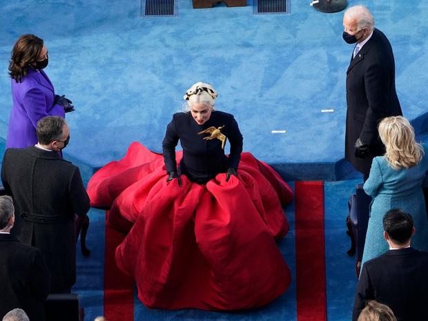 Фото №2 - Кто затмил всех на инаугурации Джо Байдена (спойлер— это не новая Первая леди)
