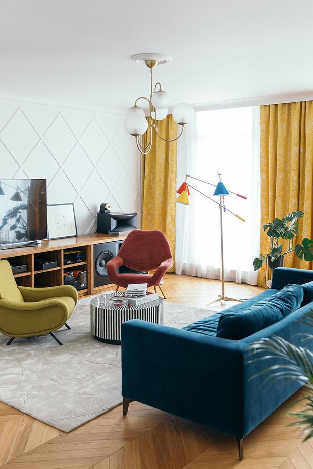Фото №1 - Тренды 2021: диван + разноцветные кресла