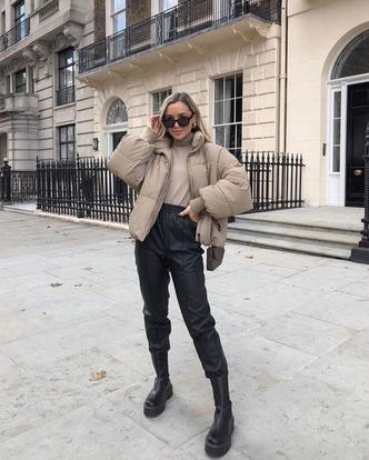 Фото №5 - Inspiration: смотри, с чем носить дутую куртку зимой 2020-2021