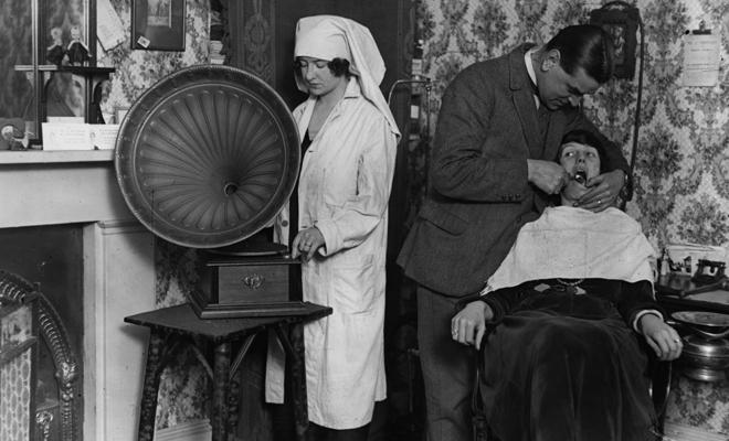 Фото №5 - Бьюти-экзекуции: процедуры, которые делали наши предки
