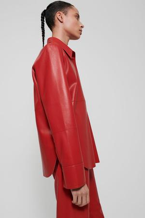 Фото №10 - Lady in red: Nanushka представили коллекцию в честь Китайского Нового года