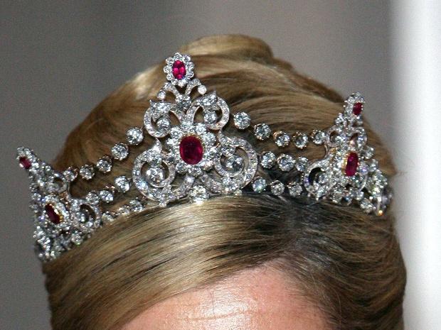 Фото №13 - Камни судьбы: самые роскошные рубиновые тиары королевских семей