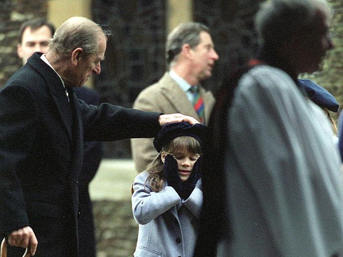 Фото №7 - Любимый дедушка: 25 самых трогательных фото принца Филиппа с внуками