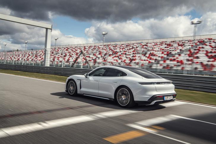 Фото №2 - Porsche Taycan— мастер когнитивного диссонанса