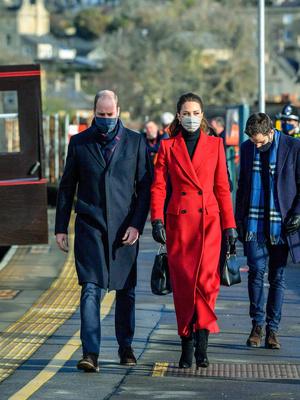 Фото №4 - Самый необычный тур Кембриджских: куда Кейт и Уильям отправились перед Рождеством