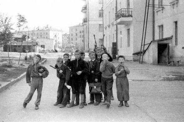Фото №9 - Топ-10 экстремальных развлечений из советского детства