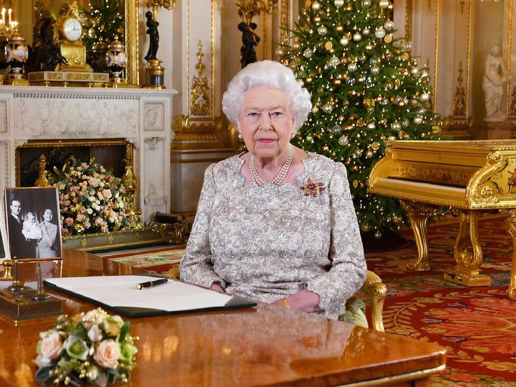 Фото №3 - «Шут Гарри и королева Меган»: что не так с новым видео герцогини Сассекской