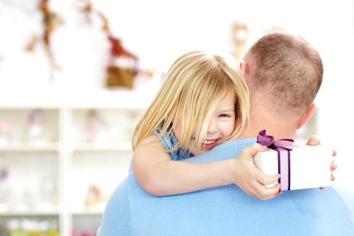 «Бывший муж подкупает детей. Что делать?»