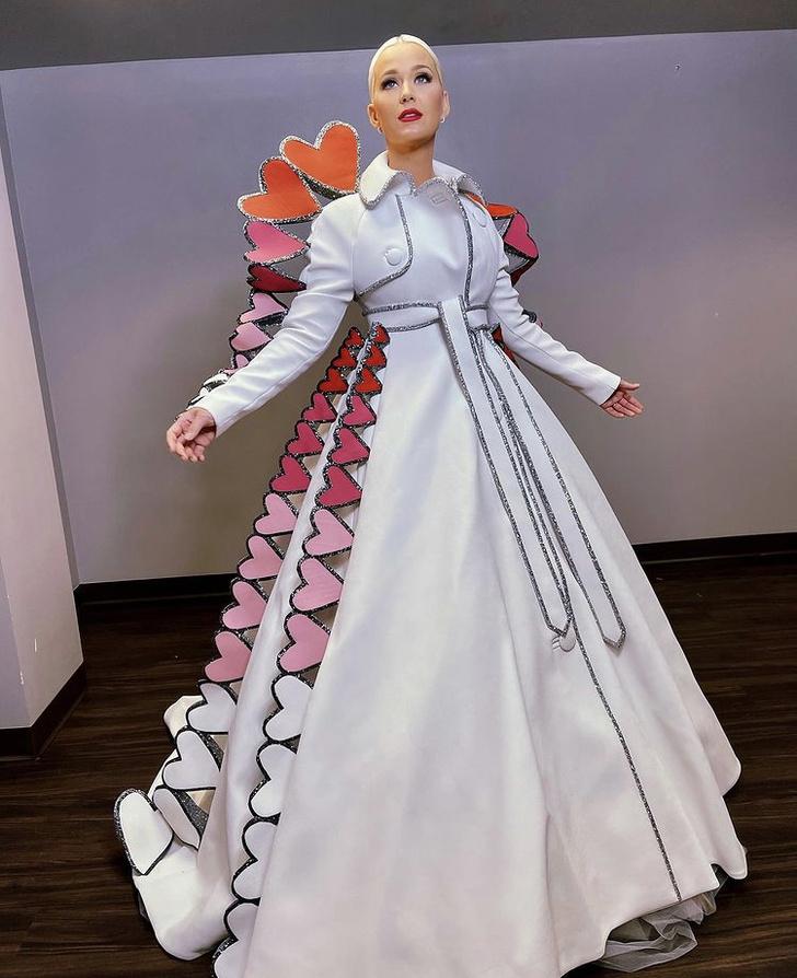 Фото №1 - От сердца к сердцу: Кэти Перри в фантастическом образе Victor & Rolf Couture