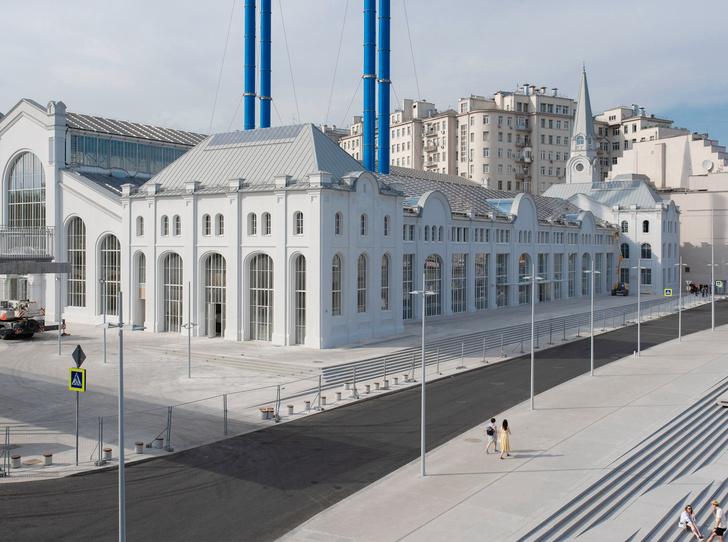 Фото №1 - Прогулка по территории Дома культуры «ГЭС-2». «Мы отказались от гегемонии искусства»
