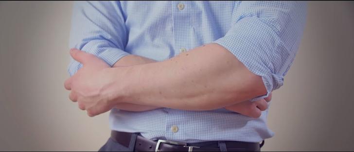 Фото №1 - 5 способов закатать рукава рубашки на все случаи жизни