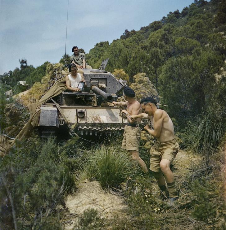 Фото №9 - 22 завораживающих цветных фото Второй мировой