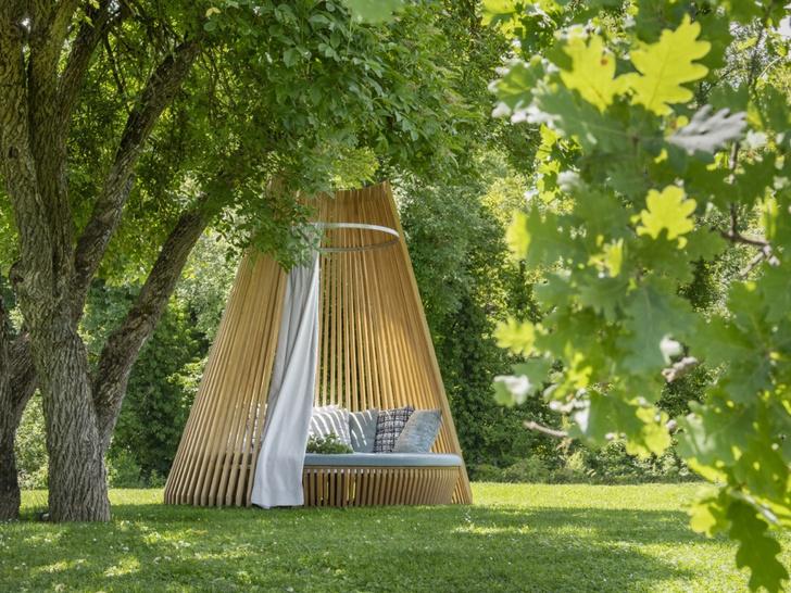 Фото №2 - Сон в летнюю ночь: садовые кровати и лежанки с навесами