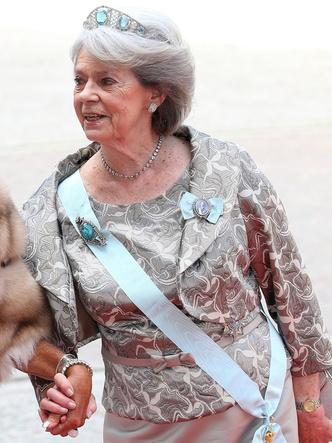 Фото №6 - Из России с любовью: почему европейские монархи начали носить тиары-кокошники