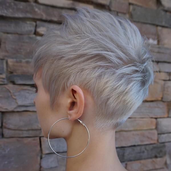 Фото №11 - 10 стильных стрижек для тонких волос, которые придадут объем