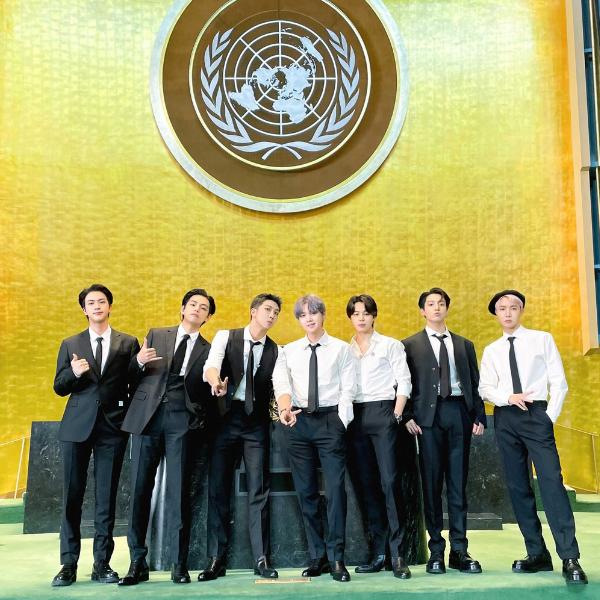 Фото №1 - Обидно: BTS придется вернуть дипломатические паспорта после поездки в США 😥
