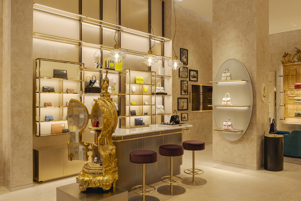 Фото №9 - Новый бутик Delvaux в самом сердце Парижа