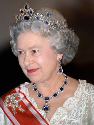 Фото №11 - Полный комплект: самые роскошные парюры британской королевской семьи