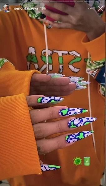 Фото №1 - Какой маникюр сейчас в моде: вдохновляемся ногтями Дины Саевой