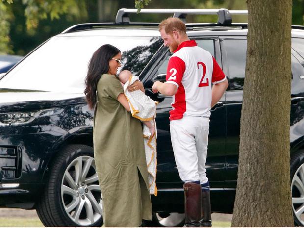Фото №5 - Зачем герцогиня Меган изменила свидетельство о рождении Арчи