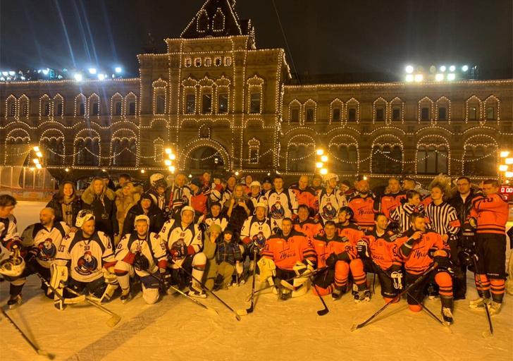 Фото №10 - Звездный гала-матч по хоккею на Красной площади при поддержке GetJet