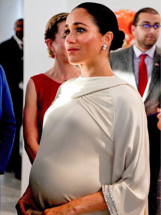 Фото №3 - 4 важных правила королевской беременности, которые нарушила Меган