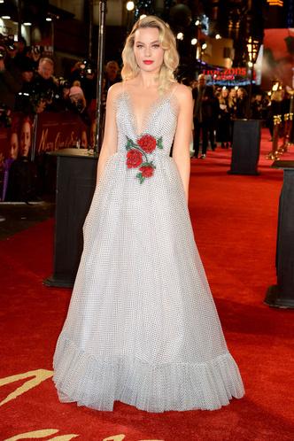 Фото №5 - Звездные платья, которые прославили своих стилистов