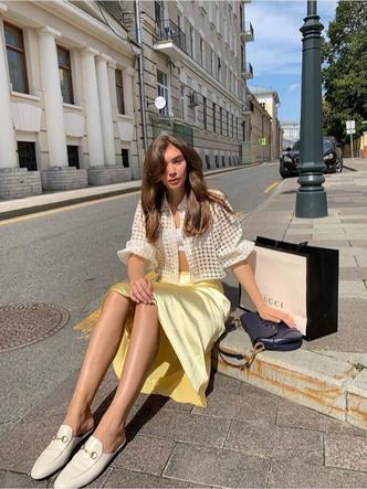 Фото №3 - Лимонный желтый: как носить новый трендовый цвет этой осени