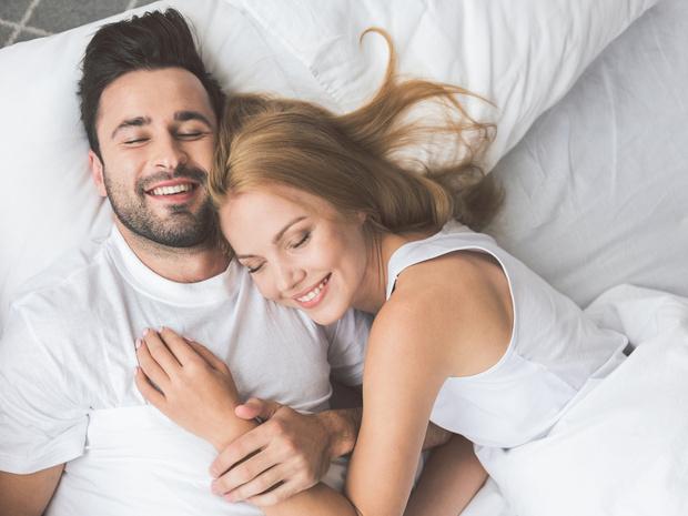 Фото №1 - Тест на отношения: о чем говорит поза, в которой вы спите с партнером