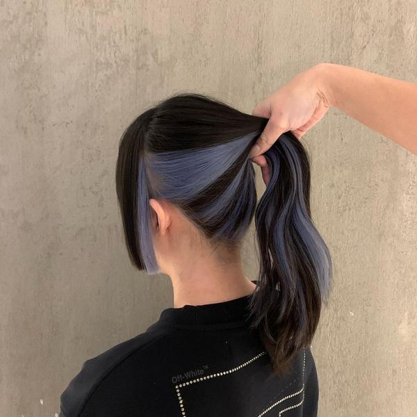 Фото №2 - 10 крутых идей скрытого окрашивания для разного цвета волос