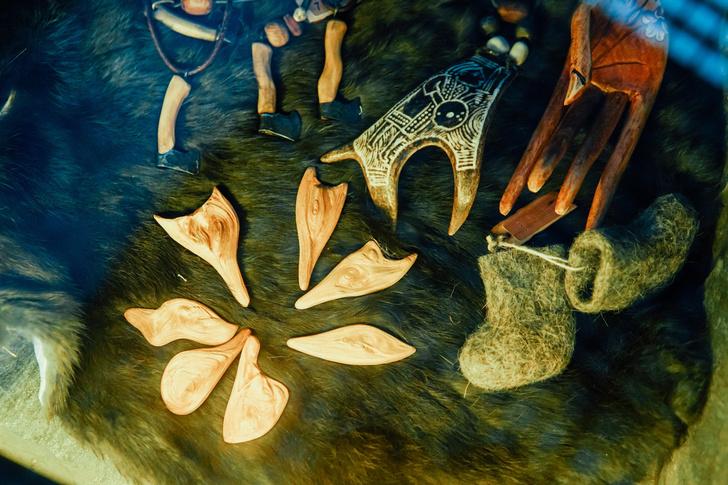 Фото №8 - Круговой обзор: секреты одеяния и атрибутов сибирских шаманов