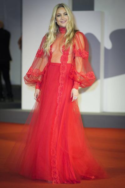 Кейт Хадсон в Valentino