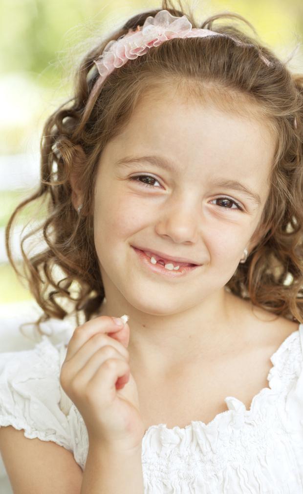 Фото №2 - Смена молочных зубов: как бороться с отклонениями от нормы