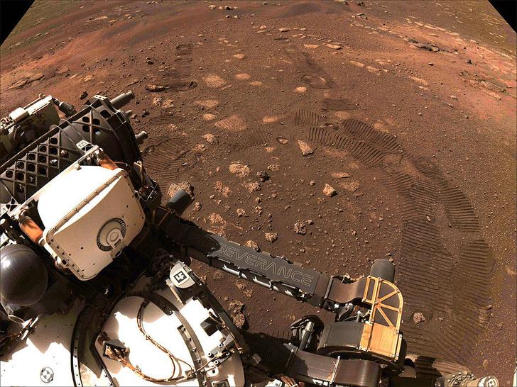 Фото №1 - НАСА опубликовало первую аудиозапись со звуком ветра на Марсе