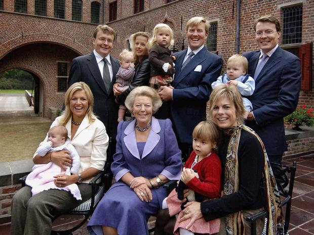 Фото №5 - Цена Короны: какая королевская семья обходится подданым дороже всего