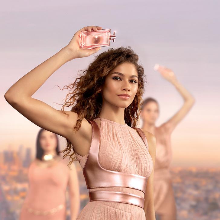 Фото №2 - Розовый аромат на лето, который носит Зендая: +1 парфюм Lancôme