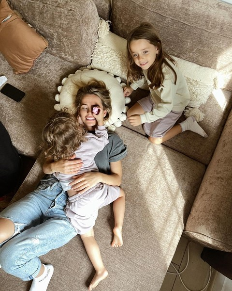 Фото №1 - Анна Хилькевич показала трогательное видео с новорожденной дочкой