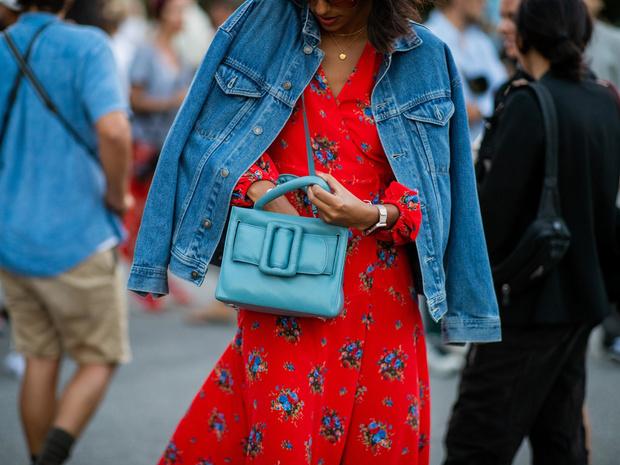 Фото №2 - От длины до декора: 5 главных ошибок при выборе джинсовой куртки