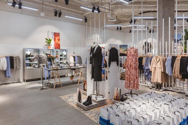 Фото №3 - & Other Stories открыл второй магазин в России в ТРК VEGAS Крокус Сити