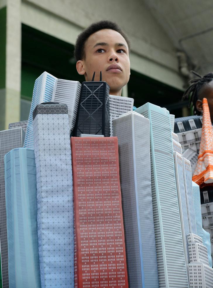 Фото №3 - Небоскребы Парижа и Нотр-Дам в новой коллекции Louis Vuitton Men 2021 Вирджила Абло