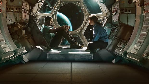 Фото №1 - MAXIM рецензирует фантастику «Дальний космос»
