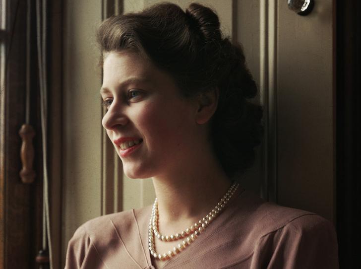 Фото №1 - Первая любовь Королевы: за кого Елизавета могла выйти замуж вместо принца Филиппа (и почему этого не произошло)